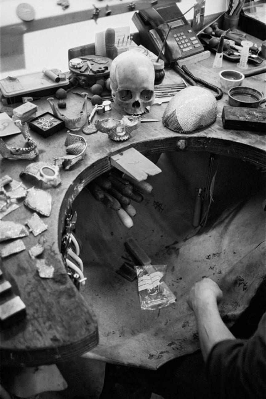 Diamond skull Damian Hirst