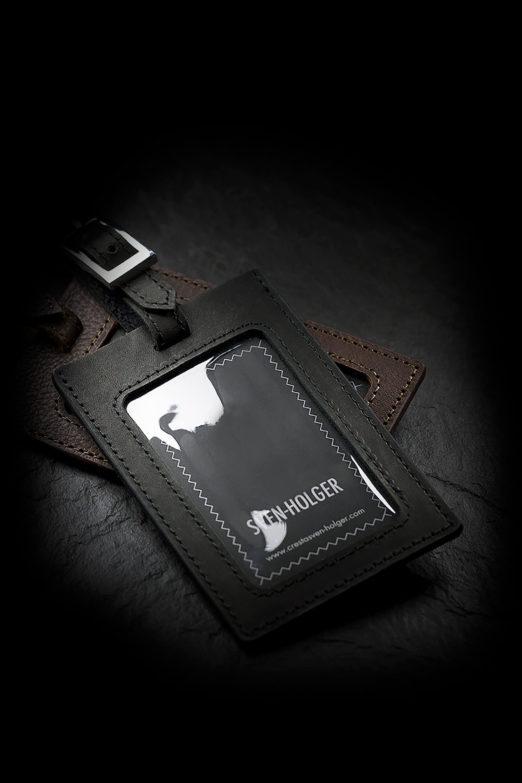 Kofferanhänger in braun und schwarz