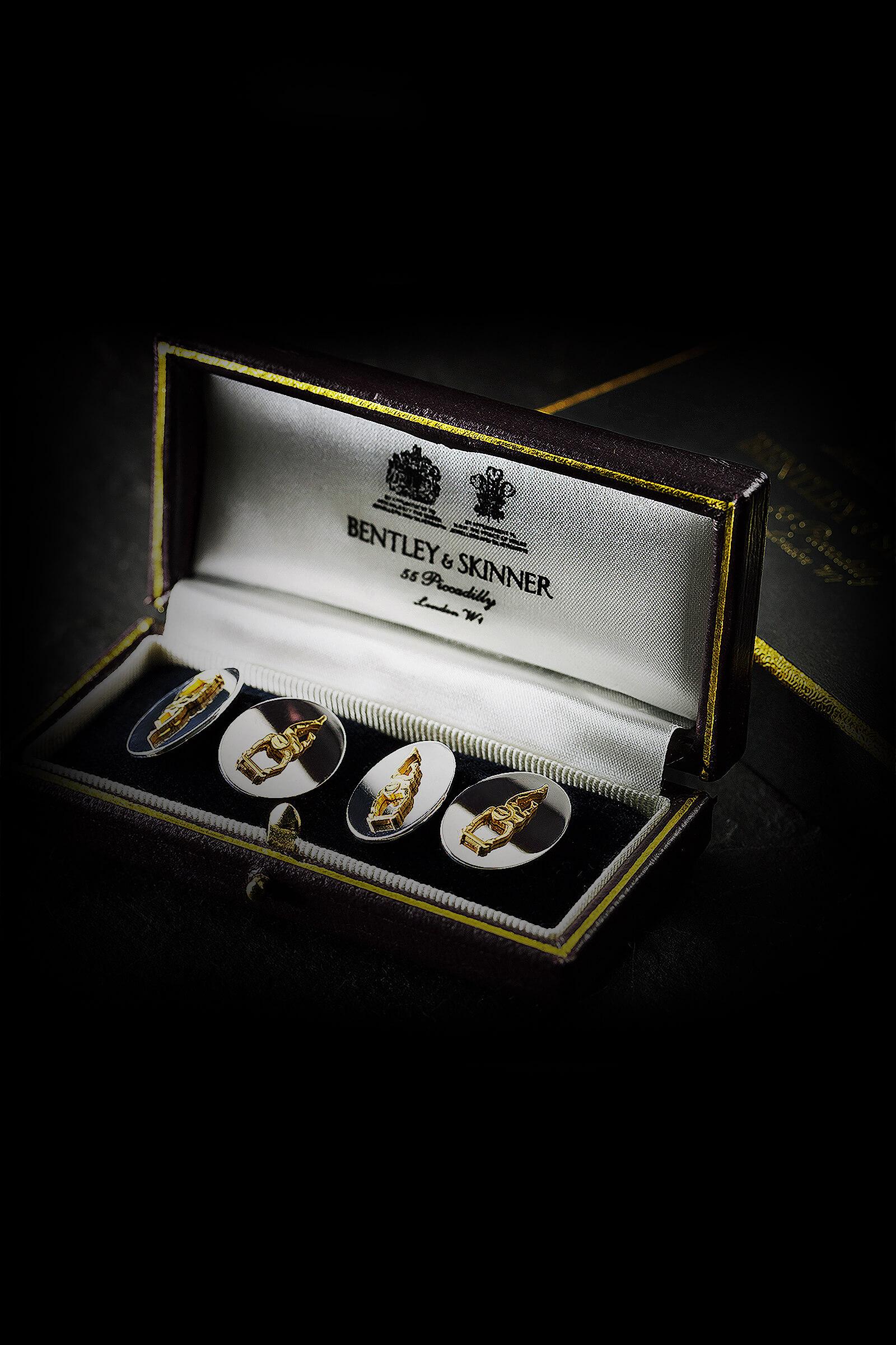 Manschettenkn pfe 18 karat wei gold doppelseitig sven for Bentley and skinner jewelry
