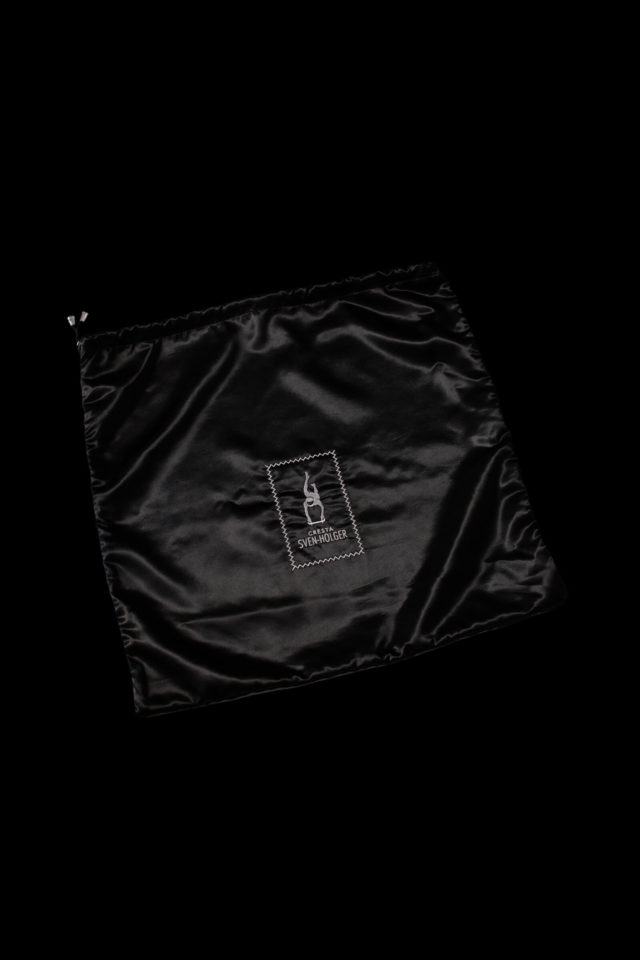 Large satin bag for jackets and suits