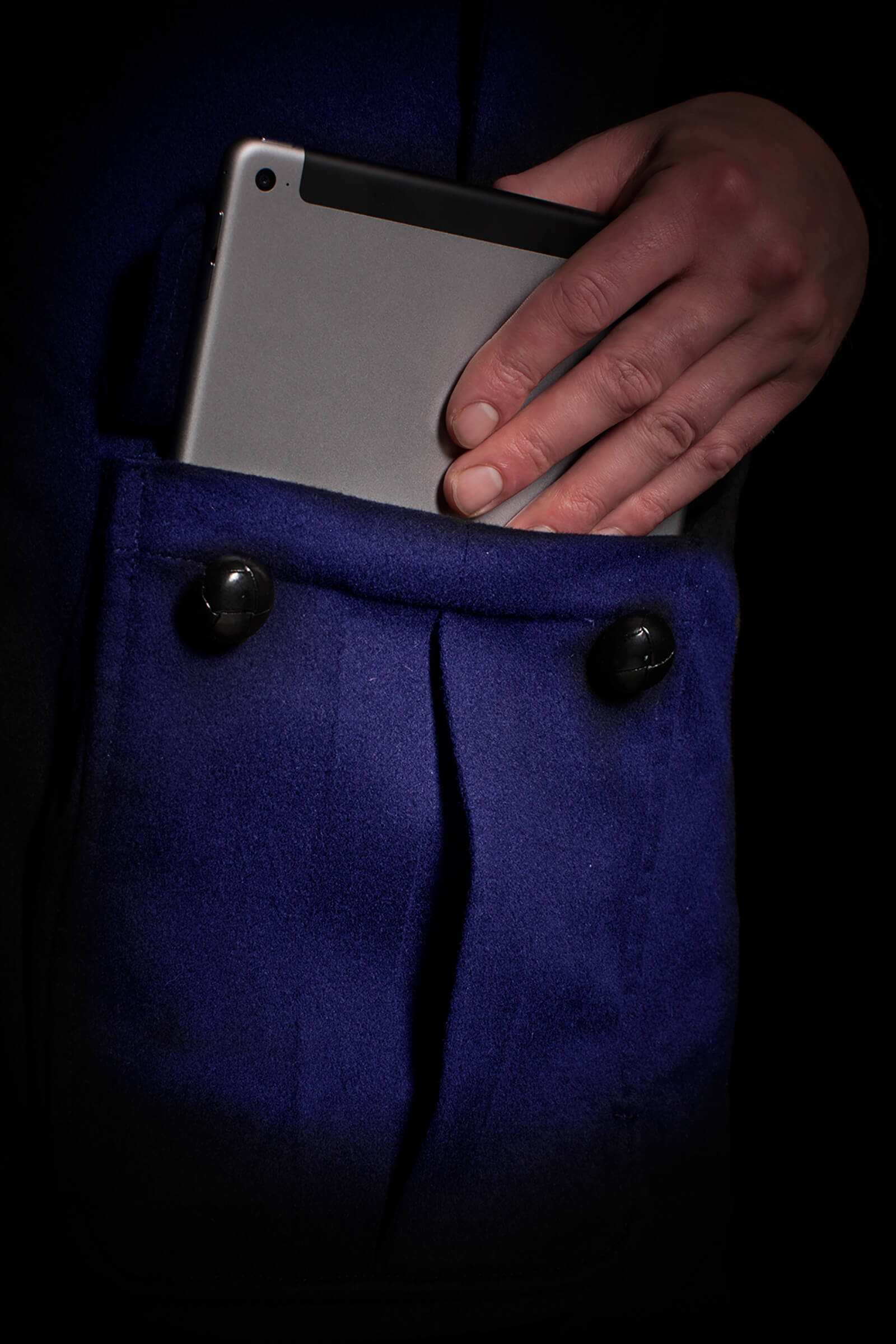 blue-coloured iPad size cashmere pocket