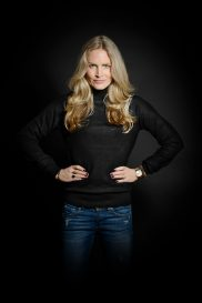 Women's Cashmere Turtleneck Pullover in finest knit